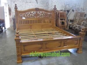 Dipan Tempat Tidur Rahwana