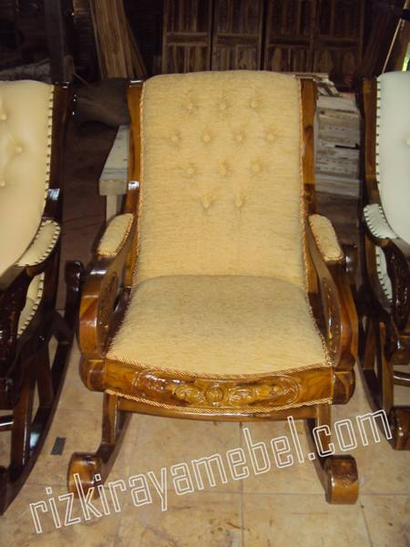 kursi goyang sofa