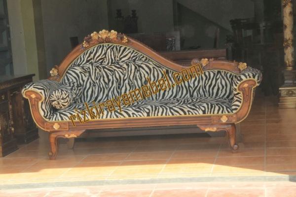 sofa mawar