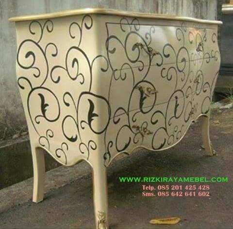 Nakas Classic Bombay Rizki Raya Mebel