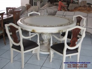 Set Meja Makan Kayu Model Bundar