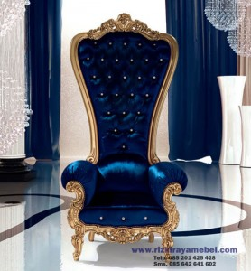 Sofa Deddy Corbuzier King Throne