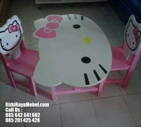 Meja Belajar Kelompok Model Hello Kitty