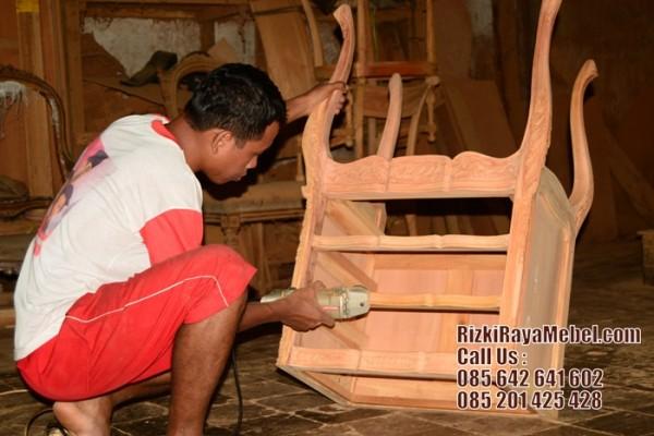 Proses Produksi Furniture Jepara Rizki Raya Mebel