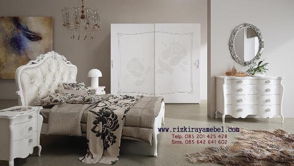 Set Kamar Tidur Luxury Vintage