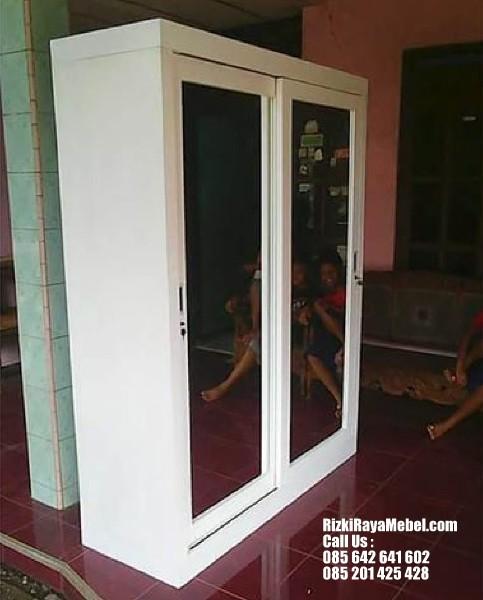 Lemari Pakaian Minimalis Pintu Sliding