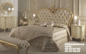 Set Tempat Tidur Pengantin Mewah