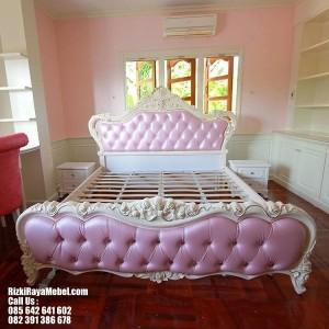 Tempat Tidur Mewah Modern Ukir