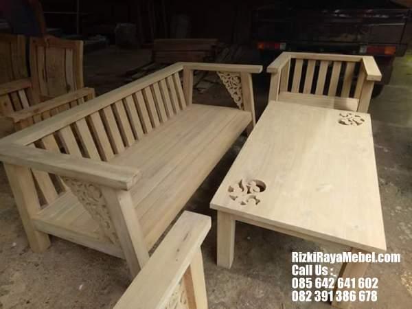 Model Kursi Tamu Minimalis Jati Terbaru Rizki Raya Mebel toko online furniture Jepara berkualitas 085642641602