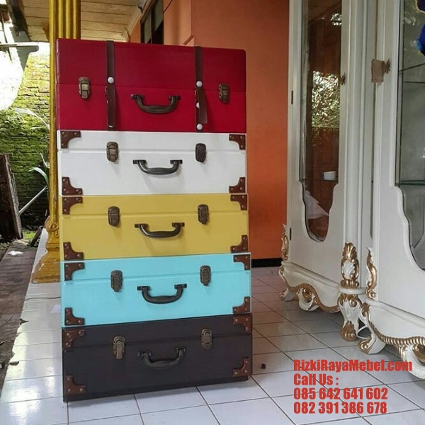 Luggage Look Cabinet Drawer 4 Rizki Raya Mebel toko online furniture Jepara berkualitas Call : 085642641602, nakas minimalis, nakas jati, nakas kayu jati, harga nakas jati, nakas modern, nakas duco, nakas jepara, nakas model klasik, nakas kayu mahoni