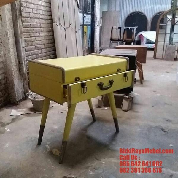 Meja Nakas Model Koper Classic Rizki Raya Mebel toko online furniture Jepara berkualitas Call : 085642641602