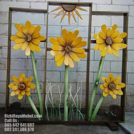 Pembatas Ruang Model Bunga Matahari