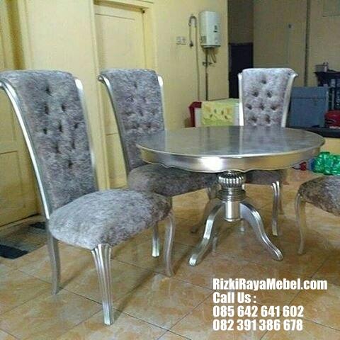 Set Meja Makan Mewah Sofa Modern Rizki Raya Mebel toko furniture online Jepara berkualitas Call : 085642641602