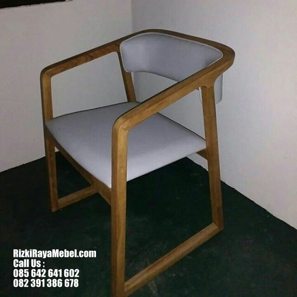 Desain Kursi Minimalis Modern Style RRM 437