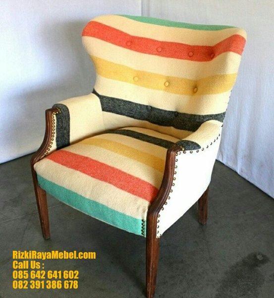 Kursi Desain Klasik Warna Modern RRM 441