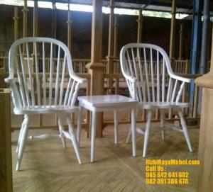 Kursi Teras Modern Warna Putih Duco