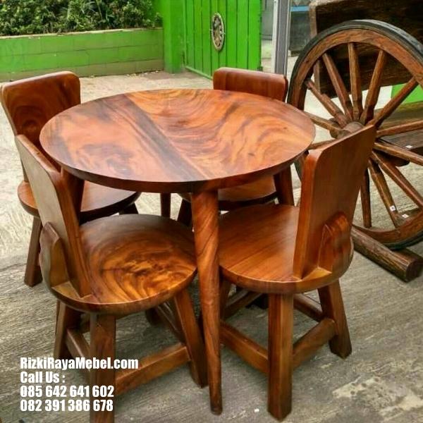 Meja Kursi Cafe Gaya Eropa Klasik RRM 414