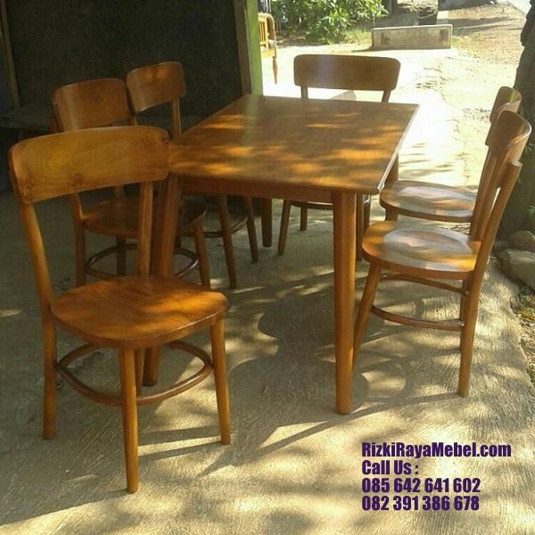 Meja Kursi Cafe Kayu Jati Recommended RRM 413