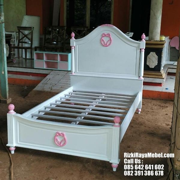 Tempat Tidur Anak Perempuan Variasi Pink RRM-392