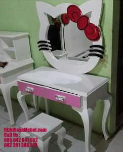 Meja Rias Hello Kitty Ungu Soft