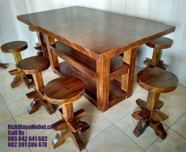 Set Meja Kursi Bar Kayu Trembesi RRM 445