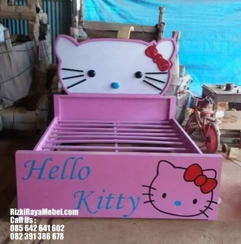 Tempat Tidur Hello Kitty Cantik RRM 449