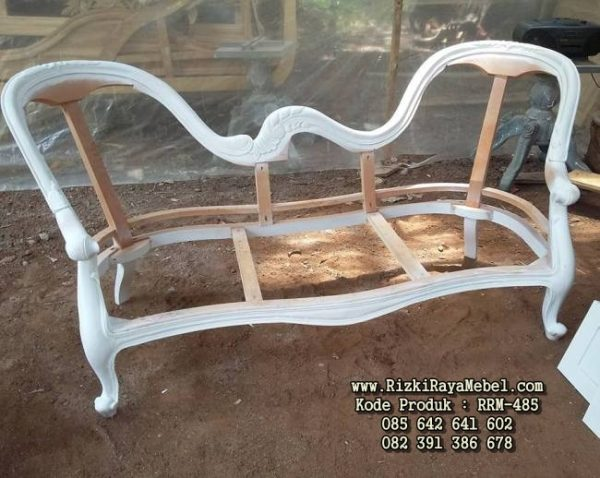 Model Sofa Warna Putih Ukiran Jepara RRM-485