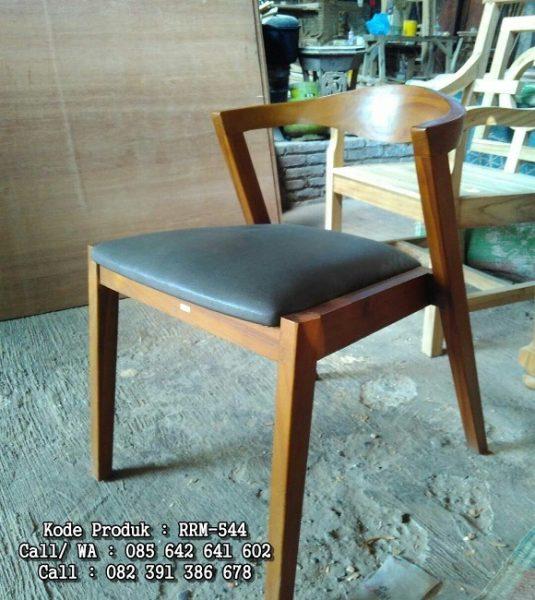 Kursi Cafe Cushion Minimalis Terbaru