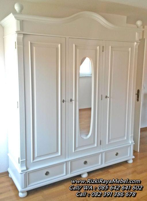 Lemari Pakaian Minimalis Klasik 3 Pintu